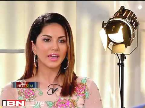 Bhupendra Chaubey ridiculous Questions to Sunny Leone, B-Town applauds Her Brave Answers