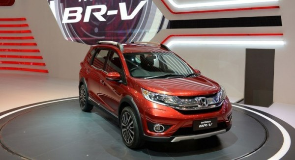 Honda BR-V Compact SUV Unveiled in India At Auto Expo 2016 (4)