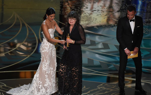 Watch Priyanka Chopra presents the Oscar in Best Editing category