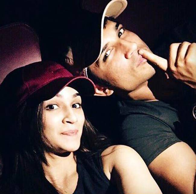 Sushant Singh Rajput and Kriti Sanon Dating Each Other Now (3)