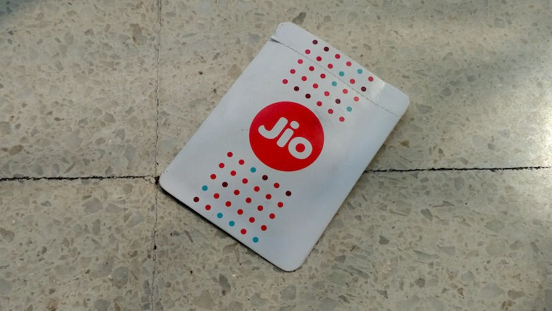Reliance Jio Introduces Rs 299 Recharge Offer with Unlimited Data, Free Voice Calls, SMS – Check Details